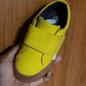 Cat & jack sneaker